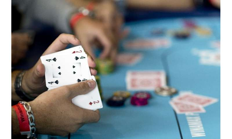 An artificial intelligence program has beaten a group of top poker players in six-player Texas hold 'em—a breakthrough for the t