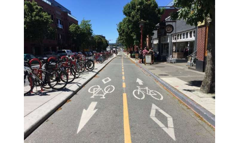 Better city bike maps are made by volunteers