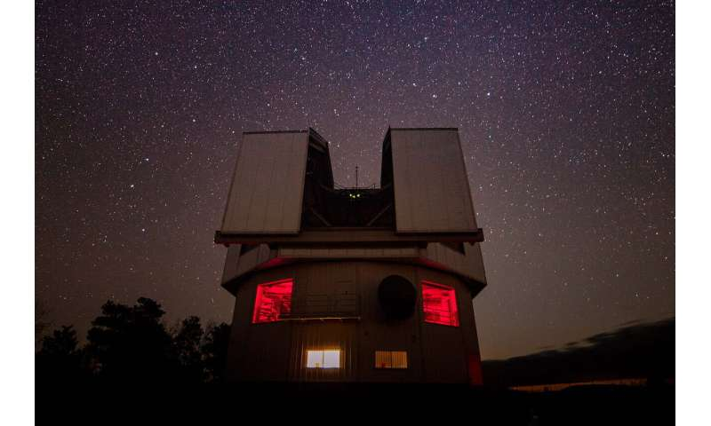 Direct from distant planet: Spectral clues to puzzling paradox