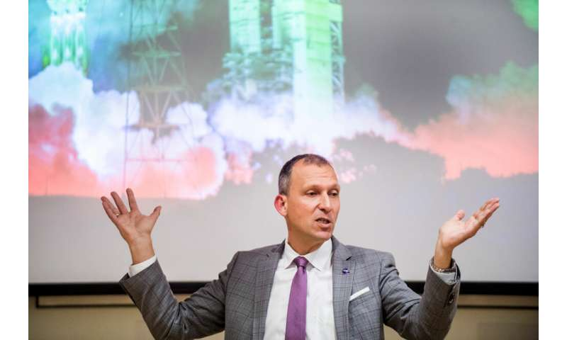 Researcher discusses space tourism, the first mission to Mars