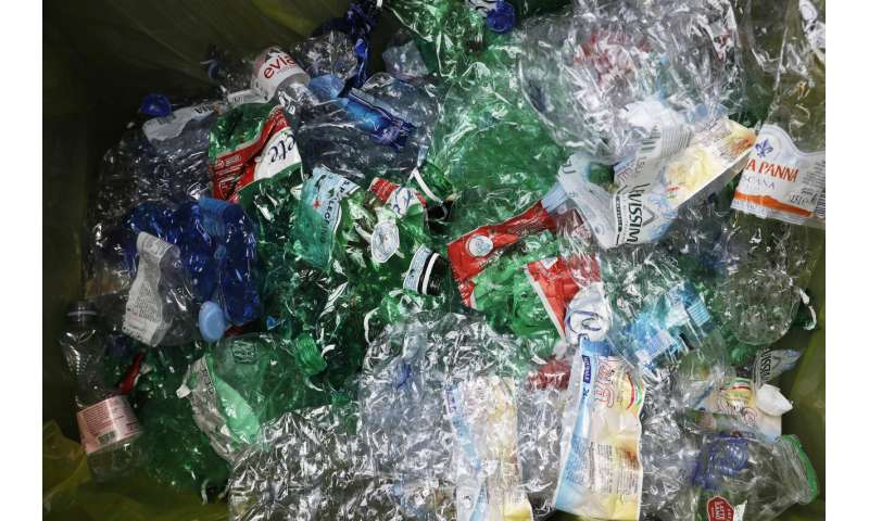 Rome tests recycling bottles for transit cash