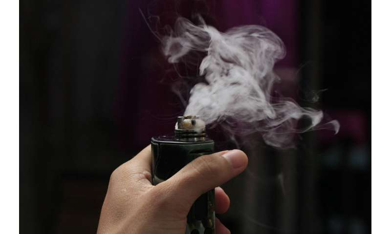 Vaping can reduce smoking, but leads to higher relapse