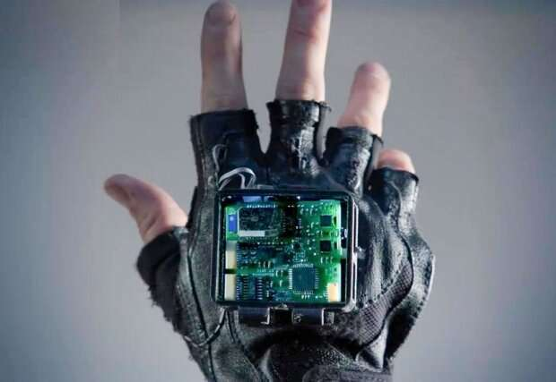 Researchers building glove to treat symptoms of stroke