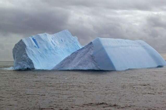 Deep-sea drillers investigate shedding of Antarctic icebergs