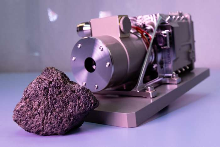 Image: Martian meteorite on Earth calibrates camera bound for Mars
