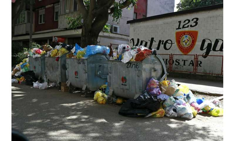 Bosnian city of Mostar awash in trash amid landfill protest