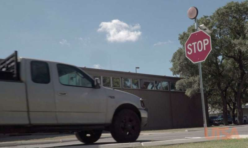 Engineers develop inexpensive, smart stop sign to improve driver safety