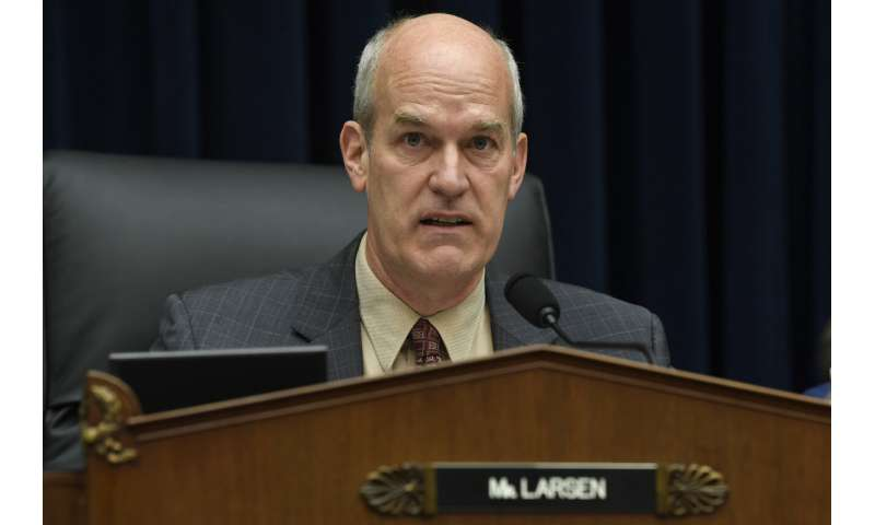 FAA chief defends handling of Boeing Max safety approval