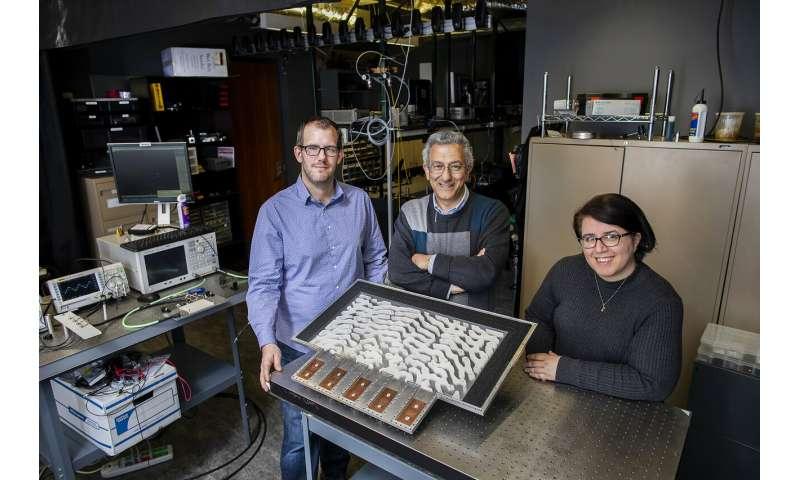 Penn engineers demonstrate metamaterials that can solve equations