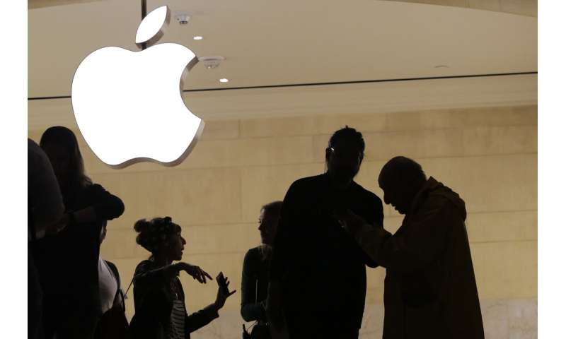 Apps cost too much? Antitrust lawsuit adds to Apple's woes (Update)