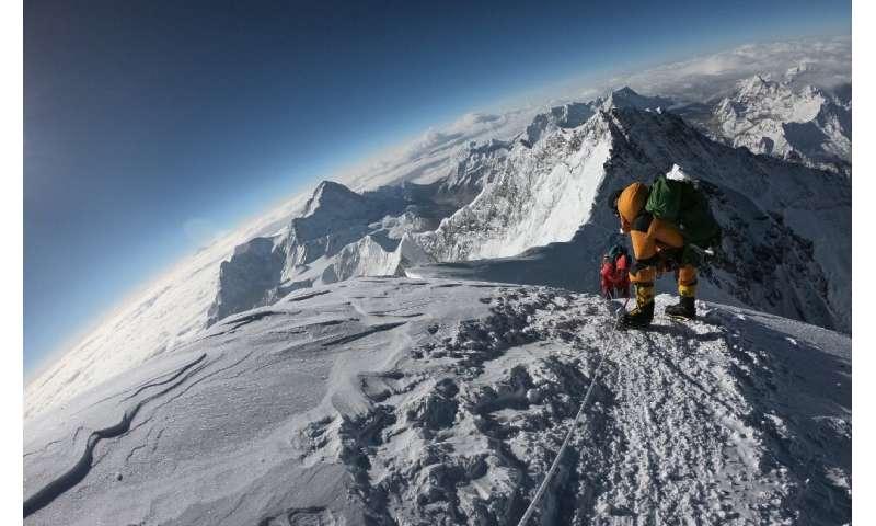 A short weather window  resulted in fatal bottlenecks to Everest's peak in 2019