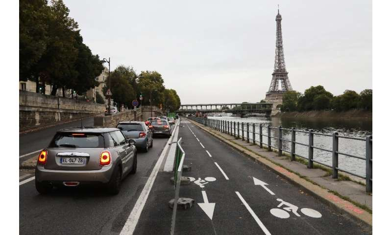 By 2020, Paris will have 1,000 kilometres (600 miles) of bike lanes in place