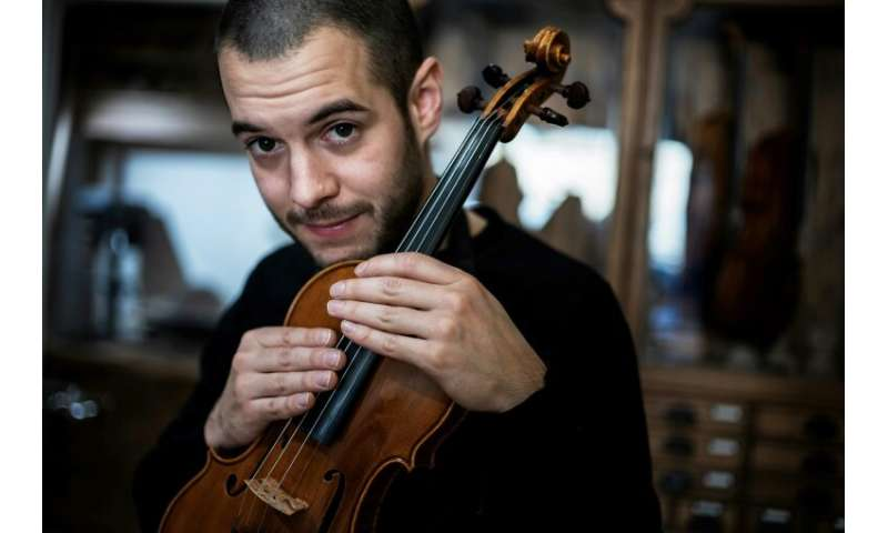 David Leonard Wiedmer has already picked up a number of awards for the string instruments he has created