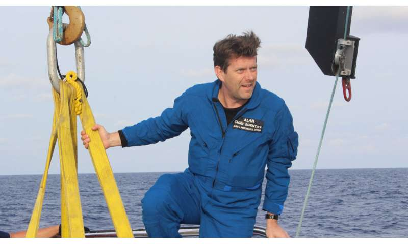 Deep sea scientist breaks British depth record