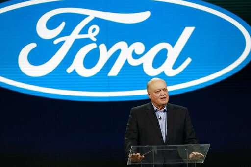 Detroit show has SUVs, horsepower, but electric cars are few
