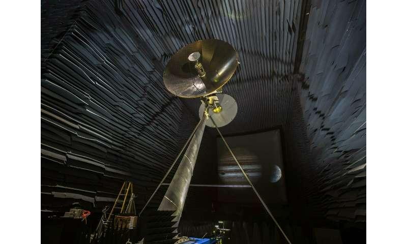 Europa Clipper high-gain antenna undergoes testing