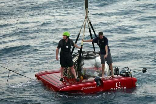 Explorers to send 1st live video broadcast from ocean depths