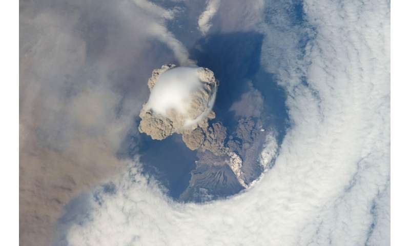 Extratropical volcanoes influence climate more than assumed