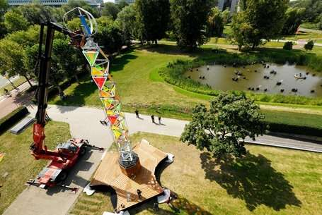 Fold-out energy tower for festivals is ready for practical use