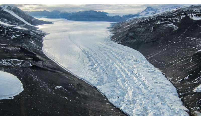 Glacier 'tree rings' could hold clues for planet's future
