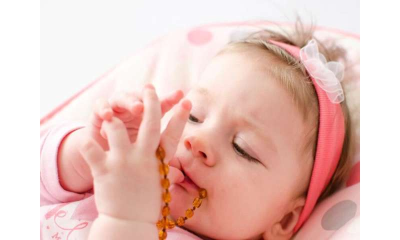 How to soothe baby's teething pain safely