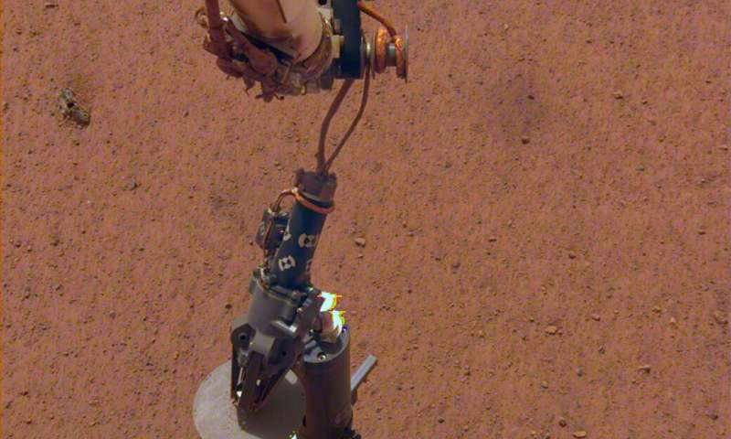 InSight prepares to take Mars' temperature