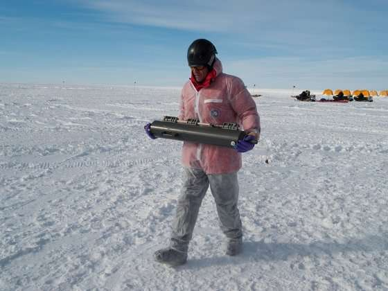 Microbe hunt beneath Antarctic ice sheet