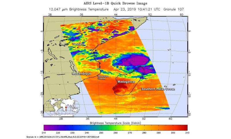 NASA examines Tropical Cyclone Kenneth in infrared light