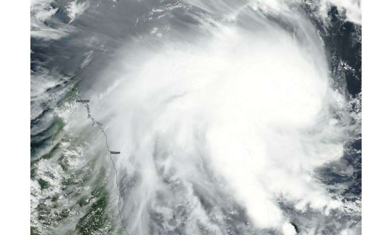 Suomi NPP satellite catches development of Tropical Cyclone 12S