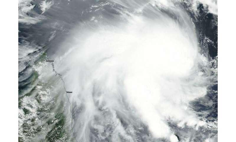 NASA-NOAA's Suomi NPP satellite catches development of Tropical Cyclone 12S