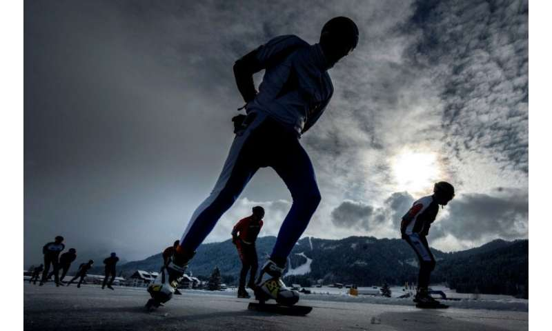 Organisers of the Dutch skating marathon got the idea to use the Austrian Weissensee lake after seeing a James Bond film car cha
