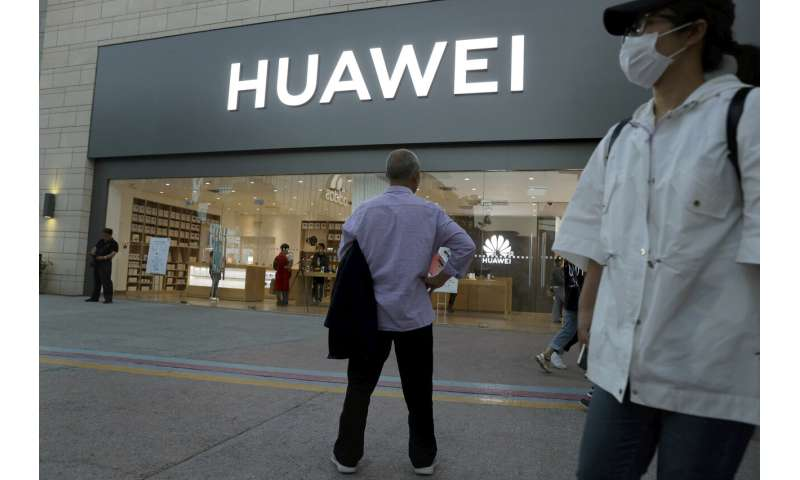Report: Huawei cuts meetings with US, sends US workers home