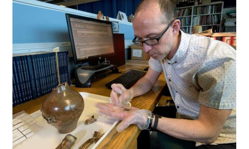 Researchers hunt for 17th century 'witch bottles'