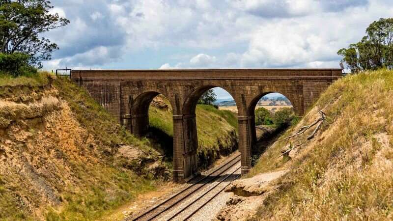 Robotic solutions aim to improve rail bridge safety and carriage cleanliness