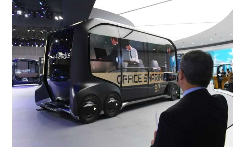 Self-driving vehicles could be the way of the future, and driverless concept cars were drawing attention at the Shanghai Auto Sh