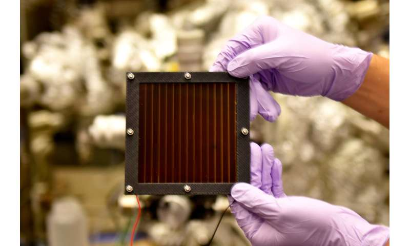 'Self-healing' polymer brings perovskite solar tech closer to market
