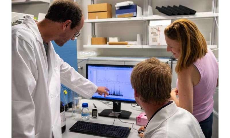 Smart interaction between proteins