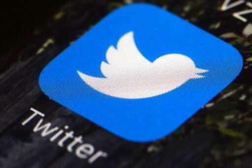 Some journalists wonder if their profession is tweet-crazy