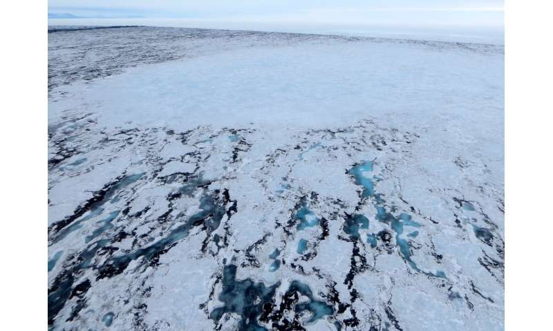 Surface lakes cause Antarctic ice shelves to 'flex'