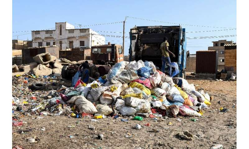 Trash collection in greater Dakar is the responsibility of public authorities. But not all households are serviced by solid wast