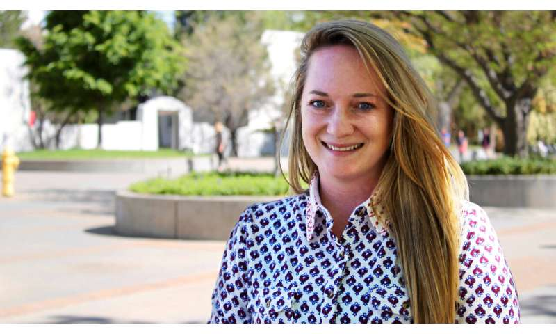UNM researcher identifies the key to emotional stability for youth living in poverty