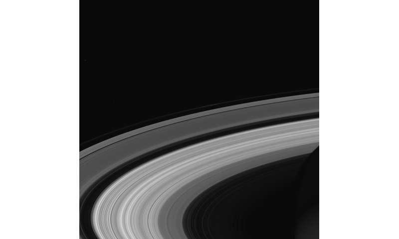 Le onde negli anelli di Saturno danno una misura precisa della velocità di rotazione del pianeta
