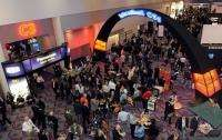 A general view of attendees in the lobby at the 2010 International Consumer Electronics Show