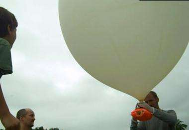 Father and son send iPhone and HD camera into stratosphere (w/ Video)