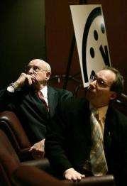 Ambassador Thomas Pickering (L) and Lawrence Krauss (R)
