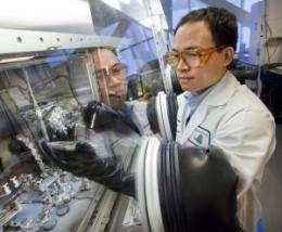 Berkeley Researchers Light Up White OLEDs