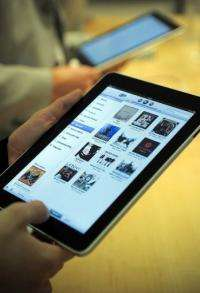 Customers try out Apple's iPad