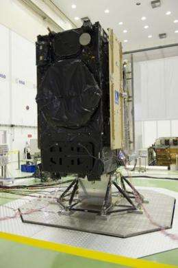 Galileo satellite undergoes launch check-up at ESTEC