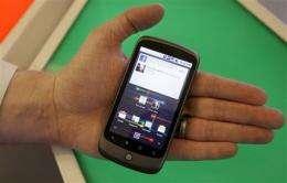 Google, Apple spar in high-tech heavyweight battle (AP)