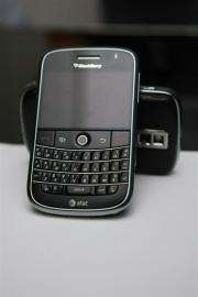 India extended the deadline for BlackBerry's maker to provide its intelligence agencies a way of accessing its services